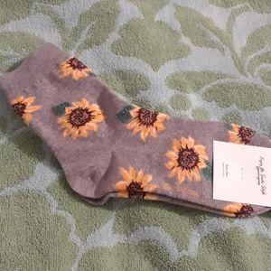Grey sunflower socks